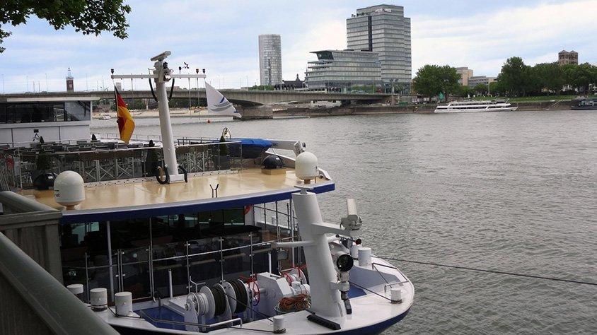 Barco Turistico Crucero por el Rhin