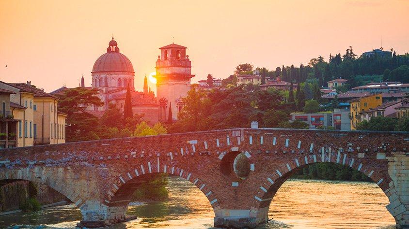 Puente Pietra en Verona